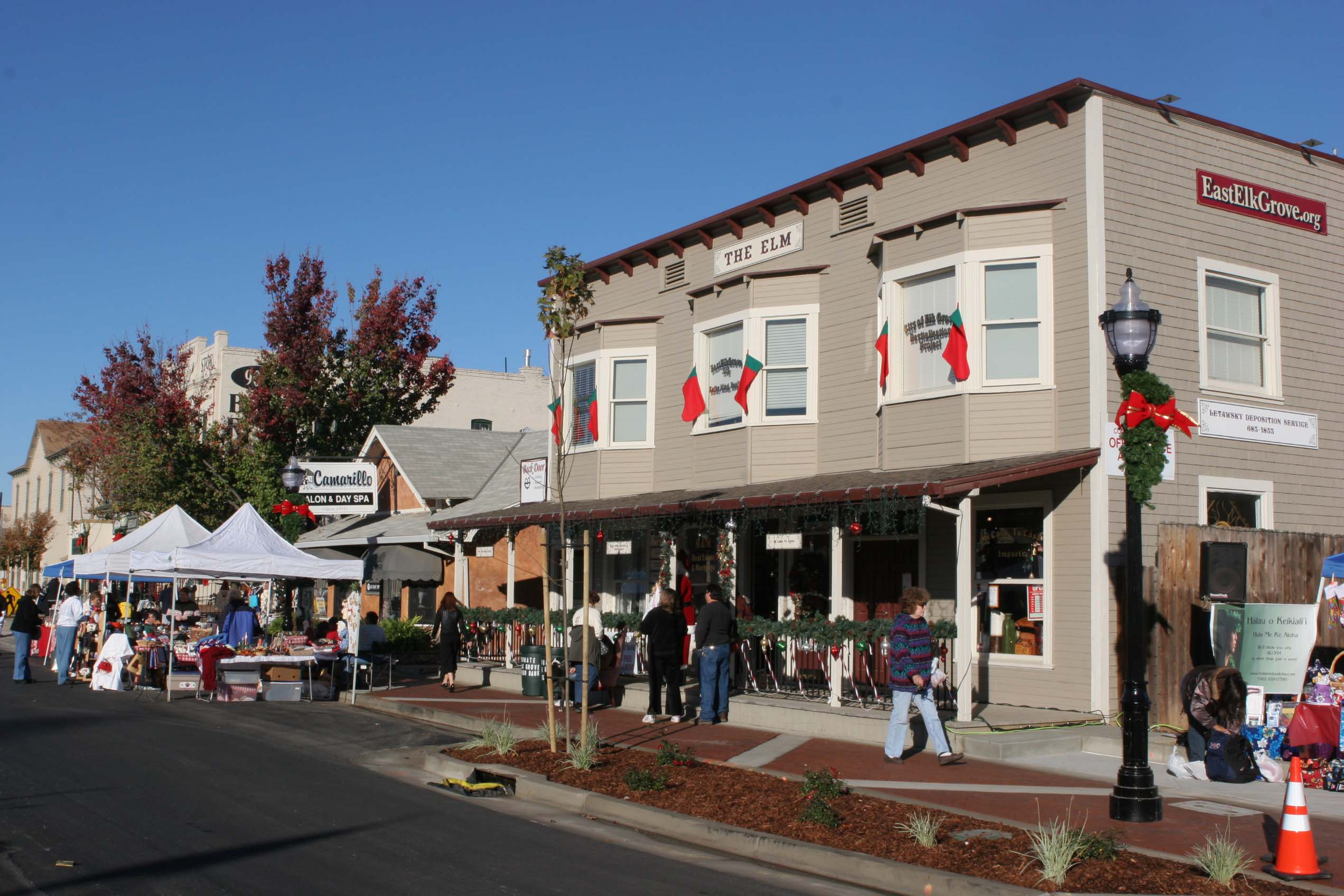Each November, Old Town Elk Grove is closed to automobiles for the Dickens Faire, an old fashioned street fair that attracts thousands of visitors to its booths, performers, and vendors.