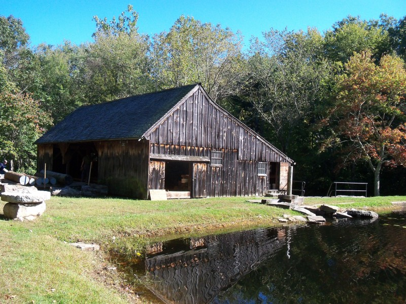 Ledyard's 11-acre Sawmill Park includes a rare surviving water-powered up-down sawmill, shingle mill, blacksmith shop with working blacksmith, a gristmill, ice harvesting equipment, and other mill artifacts of the Industrial Revolution. The functioning mill museum is located in an 1860 restored building.