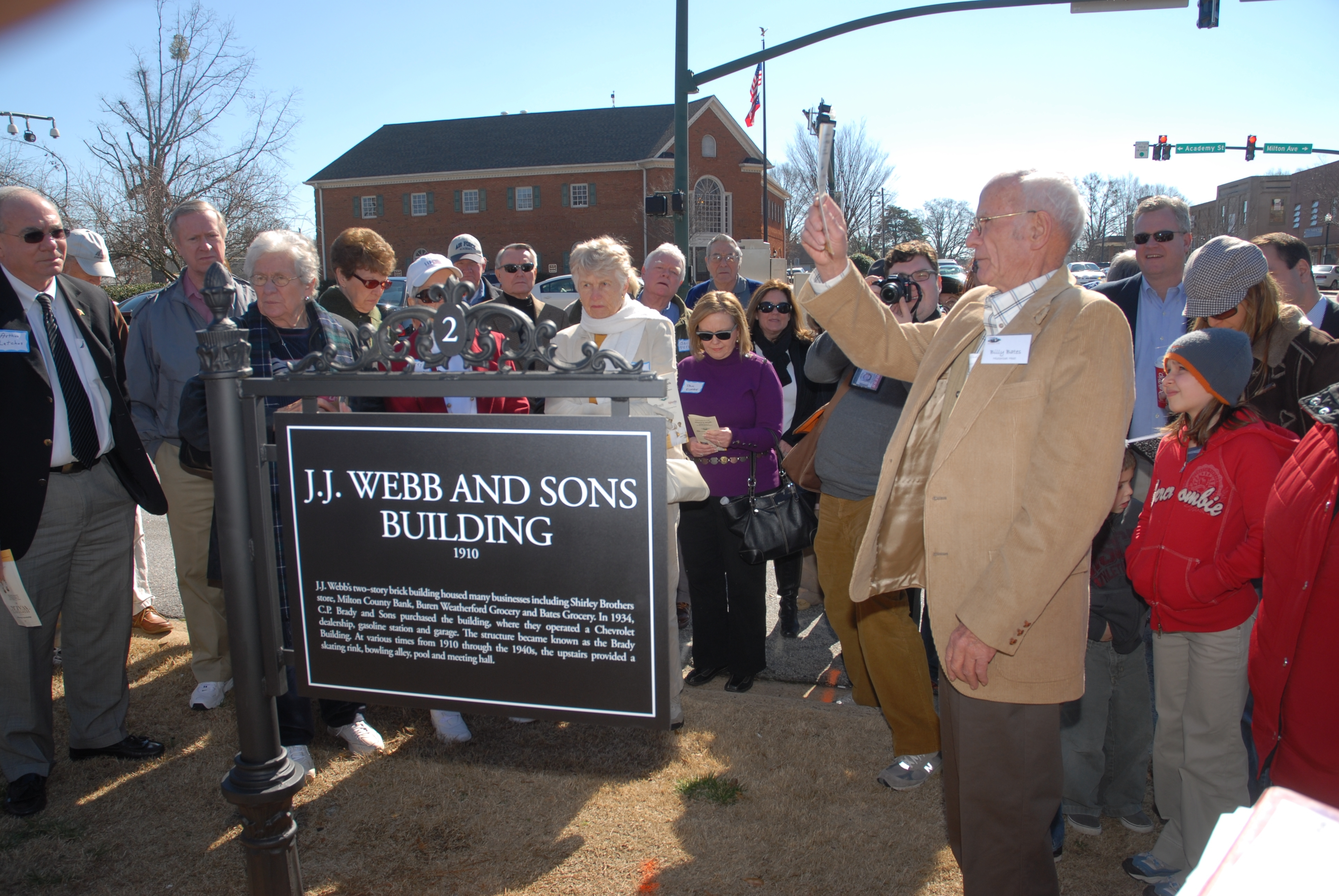 The City of Alpharetta, in partnership with the Alpharetta Convention and Visitors' Bureau and the Alpharetta Historical Society, inaugurated the city's History Walk. The walking tour consists of sites with markers describing their historical significance.