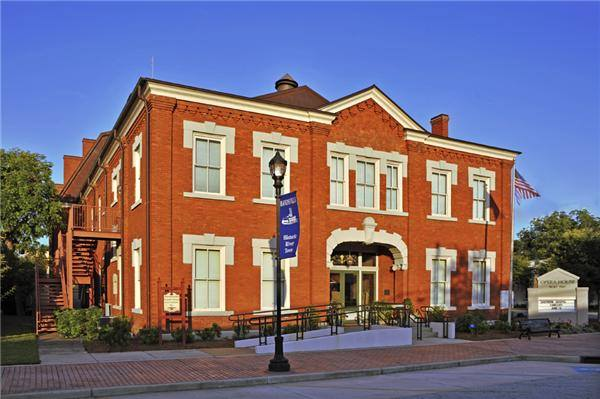Hawkinsville's Old Opera House (1907) was originally called the City Auditorium. It is listed on the National Register of Historic Places.