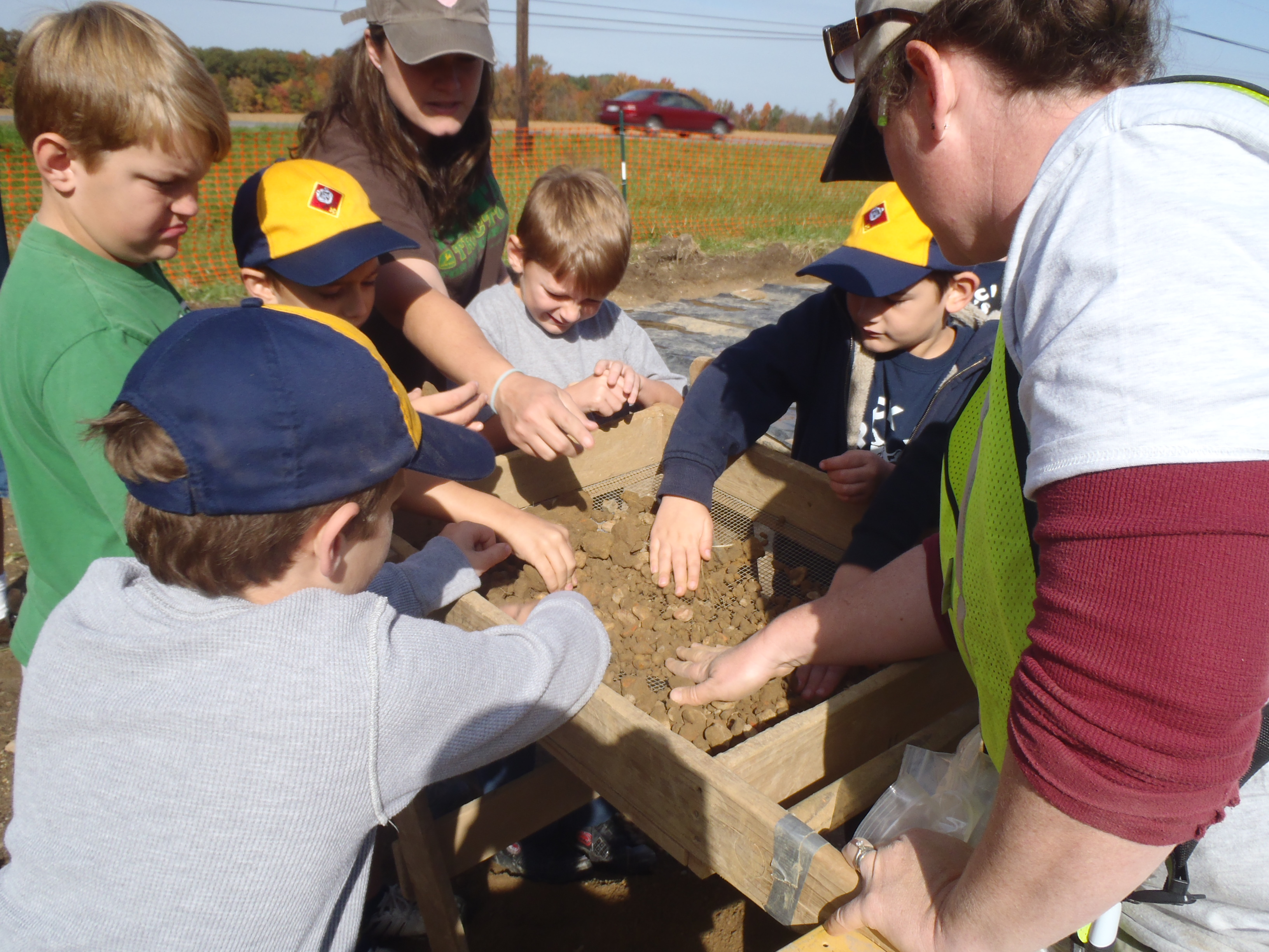 Scouts learn archaeology