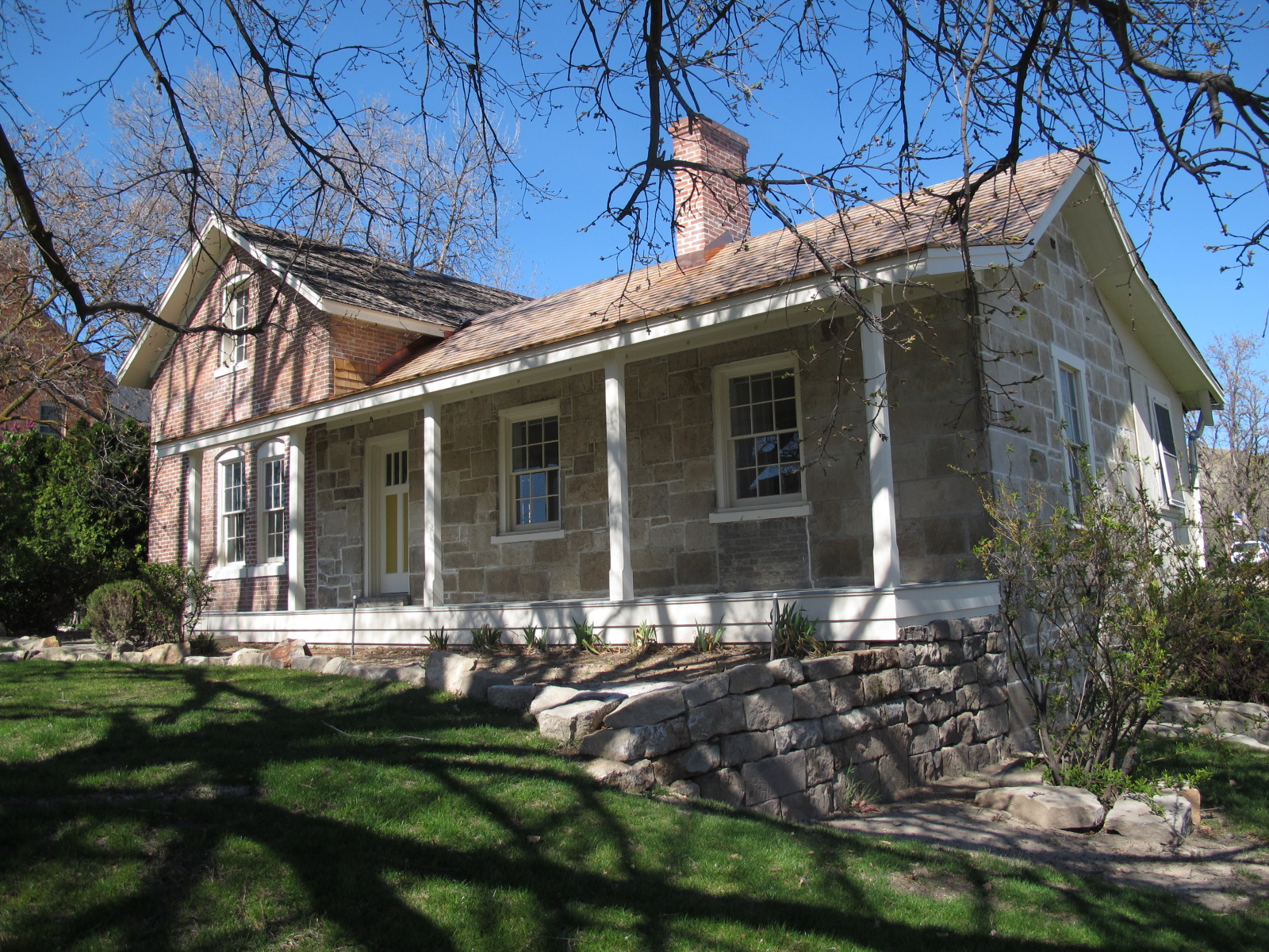 Building 4 Surgeon's Quarters restored